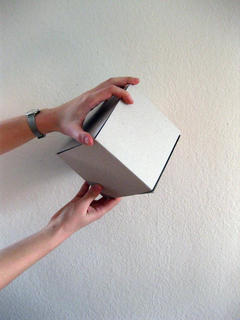 Tube taré dans cube carré 3